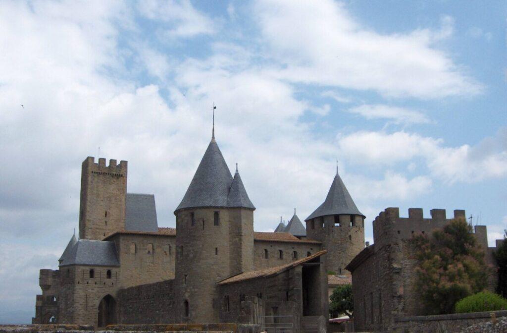 Skifertak på tårnene i Carcassonne