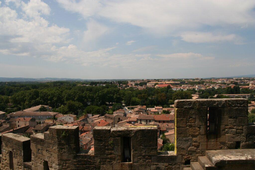 Utsikt fra La Cité de Carcassonne ned mot la Bastide - den moderne byen