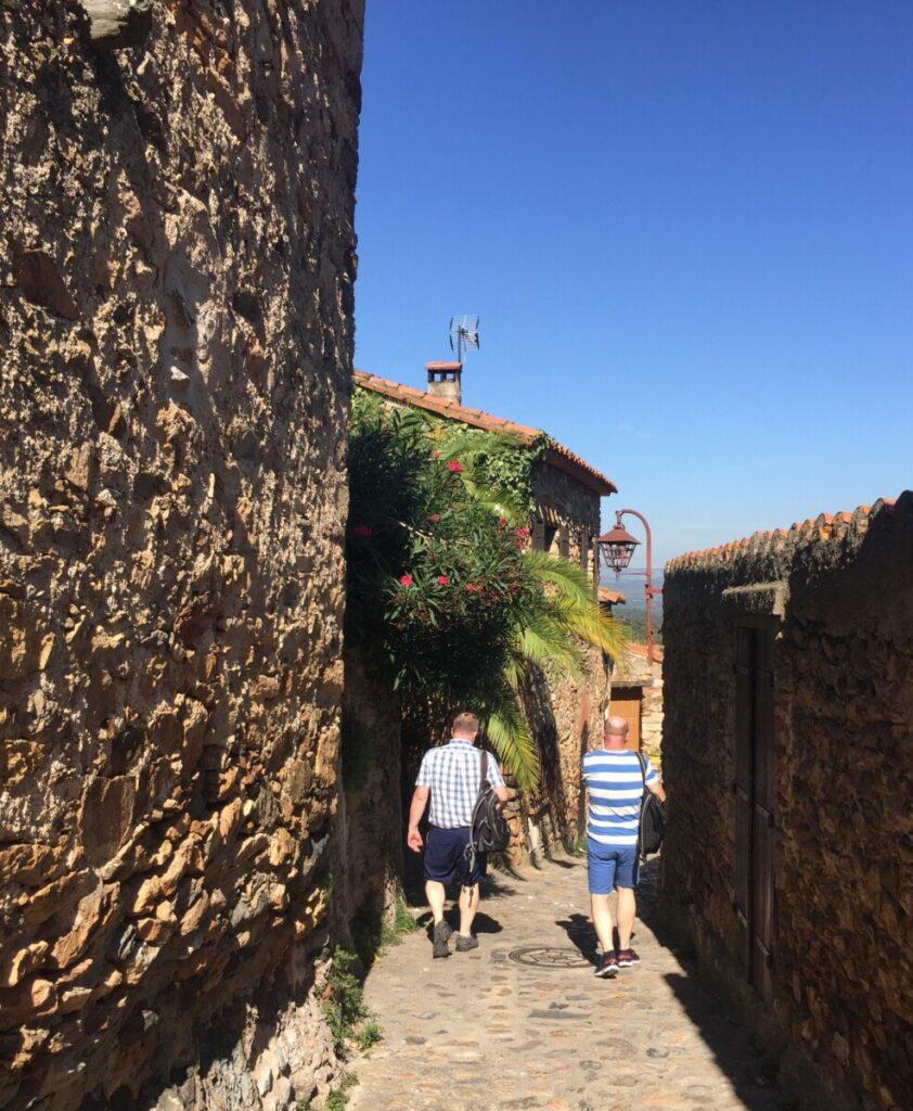 Gammal stein i Castelnou