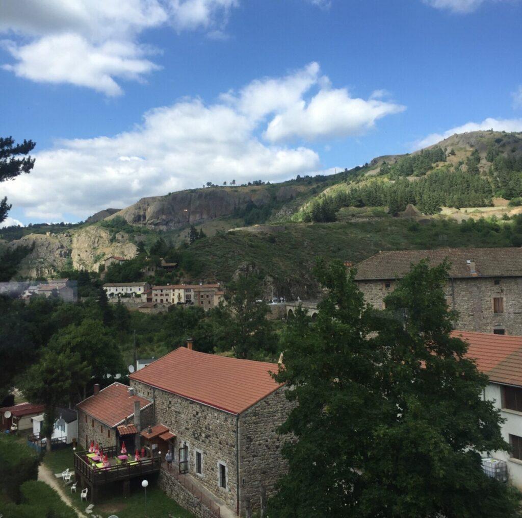 Togturen mellom Nimes og Clermont-Ferrand