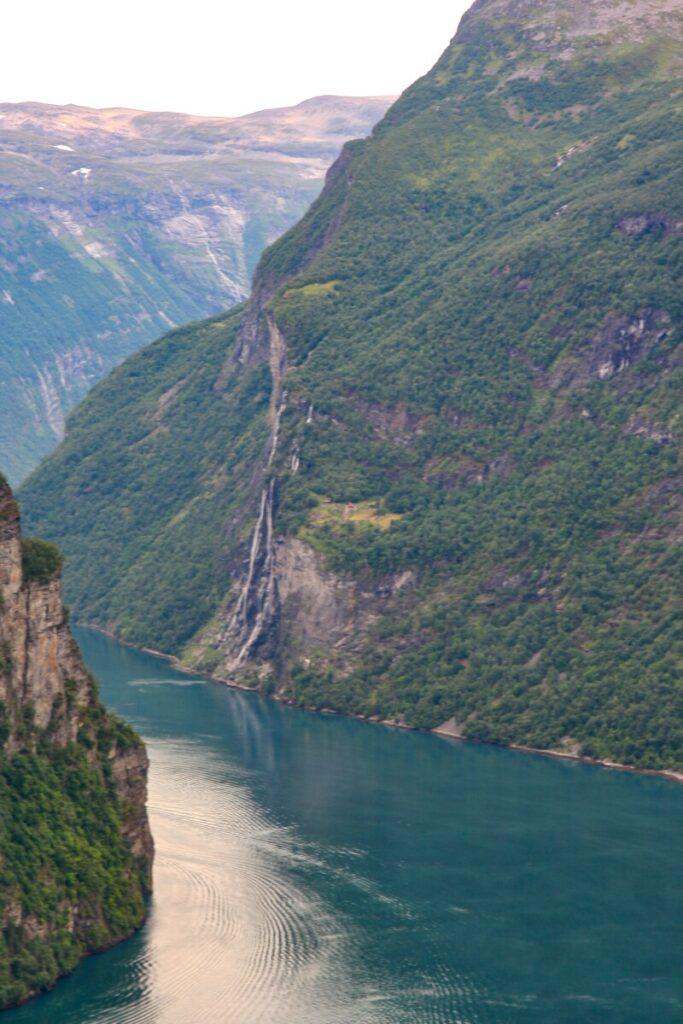 Utsikt mot Geiranger fra Ørnesvingen