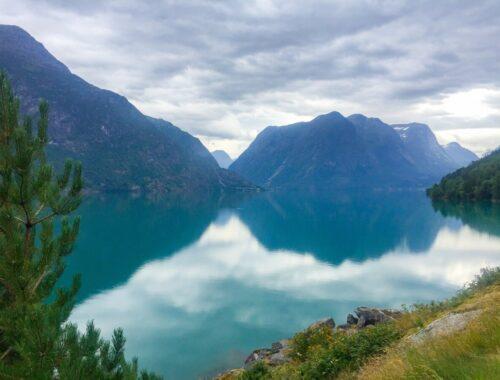 Fjord ved Stryn