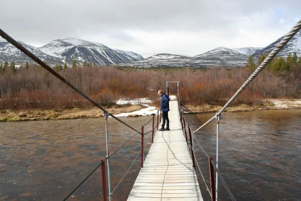 Broa mot Bjørnhollia