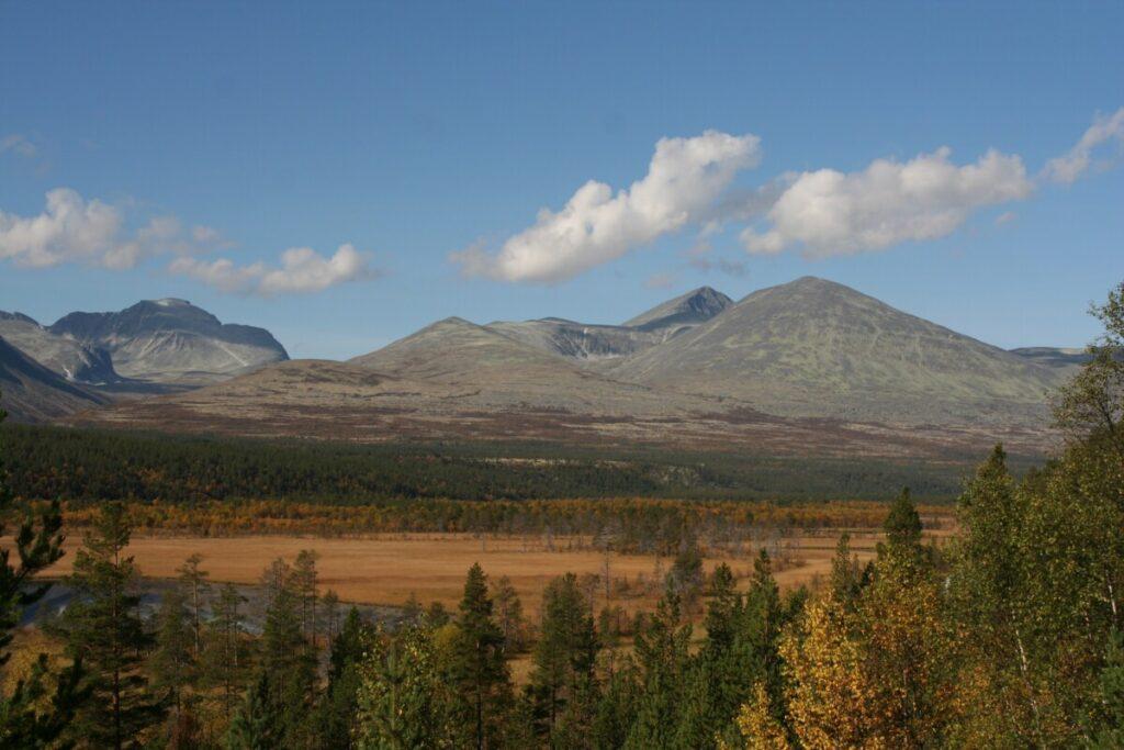 Rondane fra Atnasjømyrene