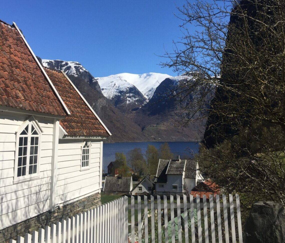 Undredal kirke ved Nærøyfjorden