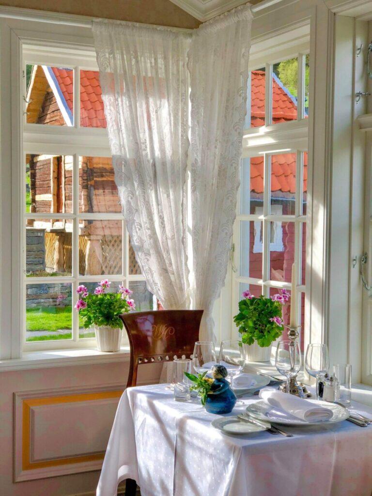 Dining room at Walaker hotel